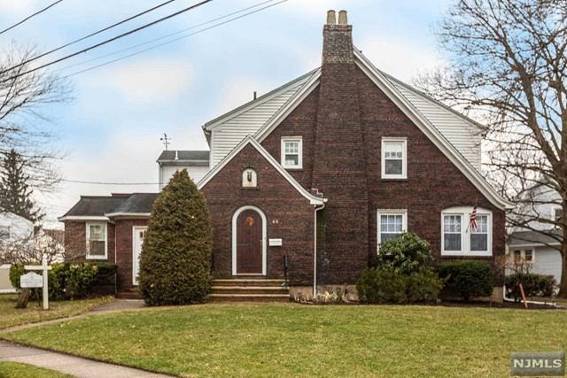 60 E Church Street, Bergenfield, NJ 07621 (MLS #1910976) :: Team Francesco/Christie's International Real Estate