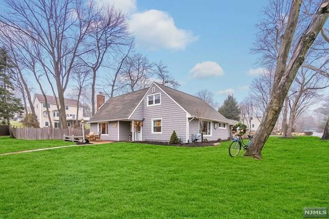 12 Hoyer Avenue, Westwood, NJ 07675 (MLS #1911065) :: Team Francesco/Christie's International Real Estate