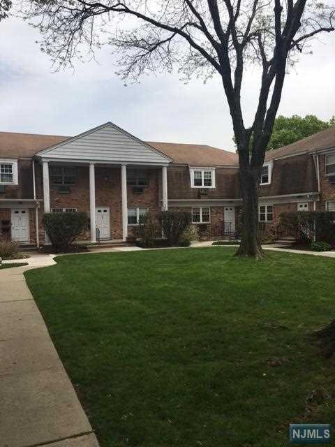143A Fort Lee Road, Teaneck, NJ 07666 (#1911262) :: Group BK