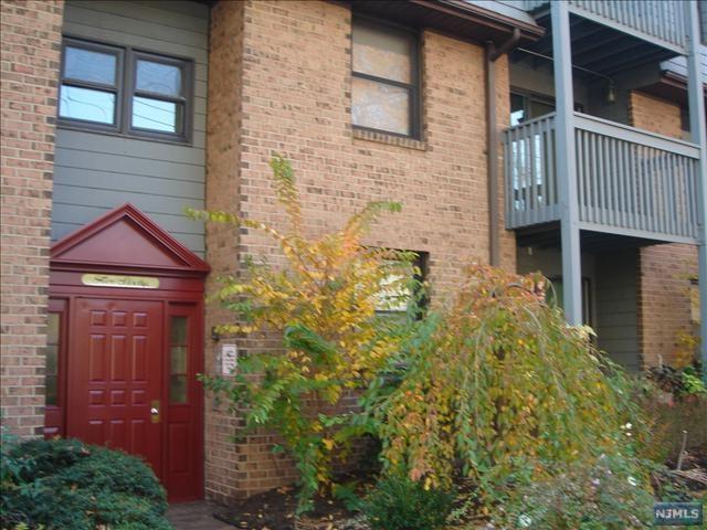 560 North Avenue C, Fort Lee, NJ 07024 (#1911337) :: Group BK