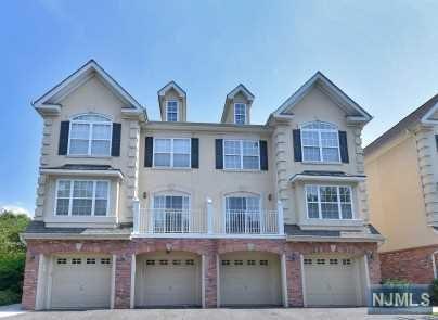 143 Blue Heron Drive, Secaucus, NJ 07094 (MLS #1911384) :: Team Francesco/Christie's International Real Estate