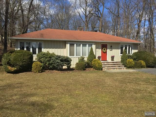 301 Cedar Hill Avenue, Wyckoff, NJ 07481 (MLS #1911405) :: Team Francesco/Christie's International Real Estate