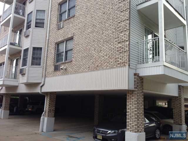 420 Passaic Street 2E, Hackensack, NJ 07601 (MLS #1911413) :: Team Francesco/Christie's International Real Estate