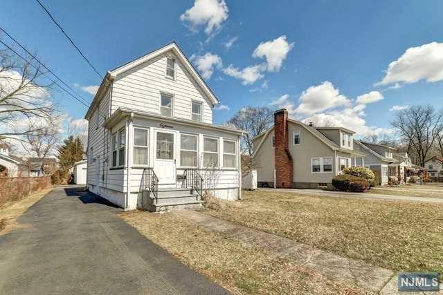 18 Hamilton Street, Bloomingdale, NJ 07403 (MLS #1911423) :: William Raveis Baer & McIntosh