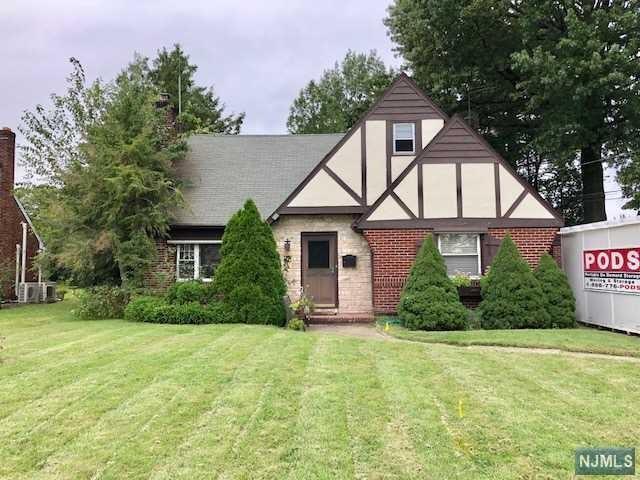 496 Grove Street, Clifton, NJ 07013 (MLS #1911476) :: Team Francesco/Christie's International Real Estate