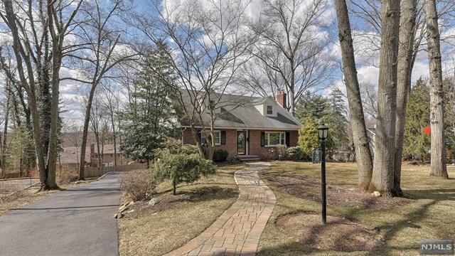 16 Valley View Terrace, Wayne, NJ 07470 (MLS #1911480) :: Team Francesco/Christie's International Real Estate