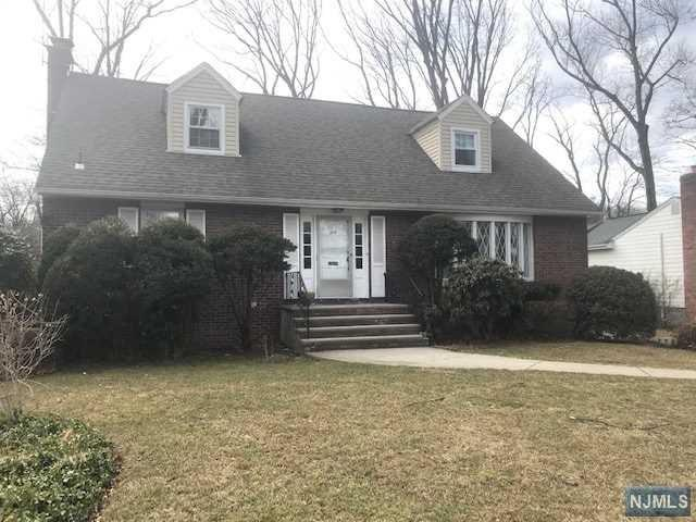 305 Canterbury Drive, Ramsey, NJ 07446 (MLS #1911492) :: Team Francesco/Christie's International Real Estate