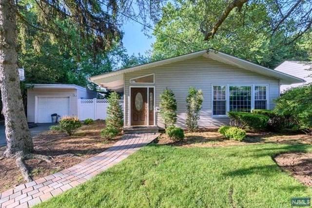 43 Walnut Drive, Tenafly, NJ 07670 (MLS #1911670) :: Team Francesco/Christie's International Real Estate