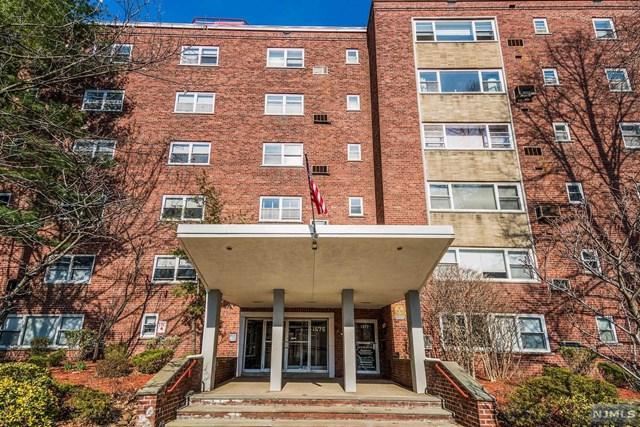 1575 Center Avenue 4D, Fort Lee, NJ 07024 (MLS #1911699) :: Team Francesco/Christie's International Real Estate