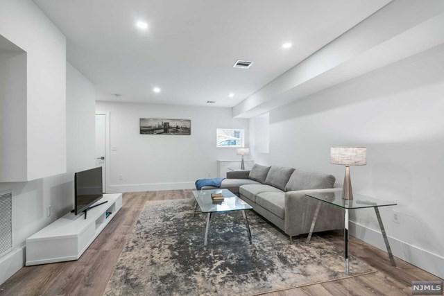 40 Thorne Street A, Jersey City, NJ 07307 (MLS #1911790) :: Team Francesco/Christie's International Real Estate