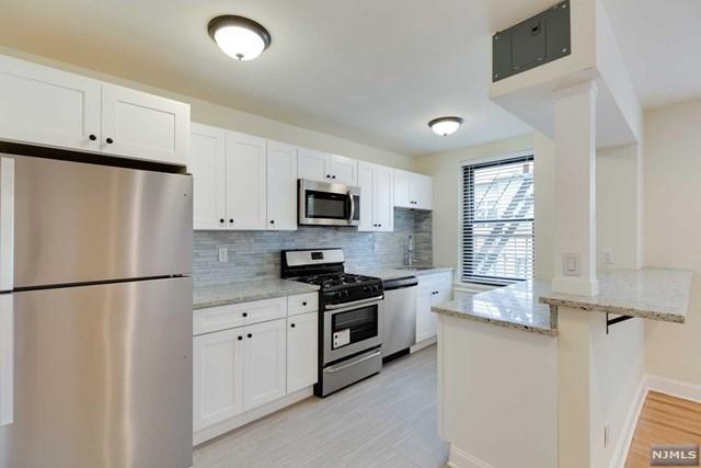 100 Central Avenue 1A, Fort Lee, NJ 07024 (MLS #1912202) :: Team Francesco/Christie's International Real Estate