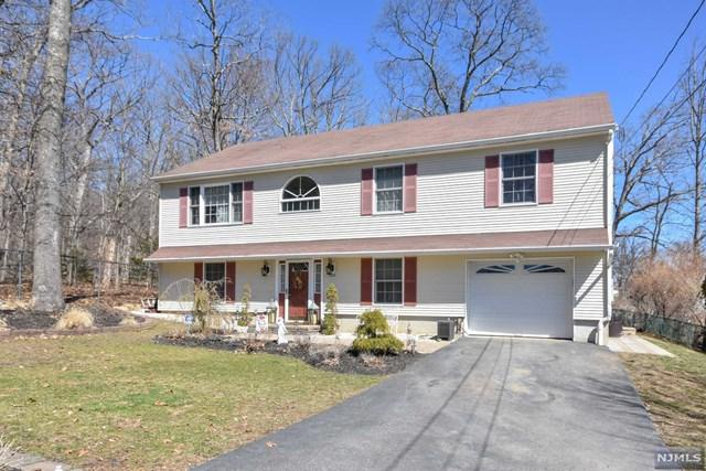 128 Star Lake Road, Bloomingdale, NJ 07403 (#1912977) :: Berkshire Hathaway HomeServices Abbott Realtors