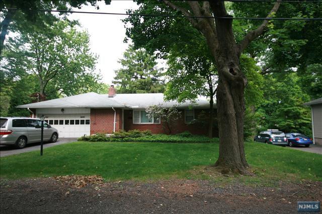 88 Woodland Road, Demarest, NJ 07627 (MLS #1913371) :: William Raveis Baer & McIntosh