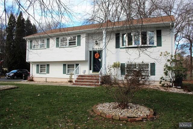 27 Cole Road, Fairfield, NJ 07004 (#1914042) :: Berkshire Hathaway HomeServices Abbott Realtors