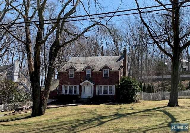 107 Fells Road, Essex Fells, NJ 07021 (#1914056) :: Berkshire Hathaway HomeServices Abbott Realtors