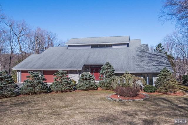 46 Round Hill Road, Kinnelon Borough, NJ 07405 (#1914061) :: Berkshire Hathaway HomeServices Abbott Realtors
