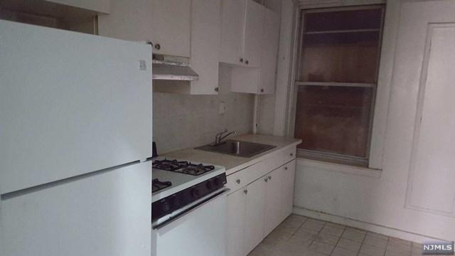 250 Broad Avenue 3D, Leonia, NJ 07605 (#1914135) :: Berkshire Hathaway HomeServices Abbott Realtors