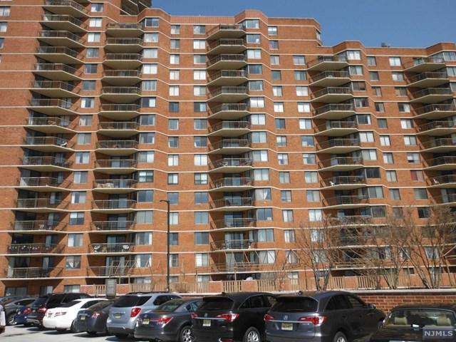 1132 Harmon Cove Tower, Secaucus, NJ 07094 (#1915730) :: Berkshire Hathaway HomeServices Abbott Realtors