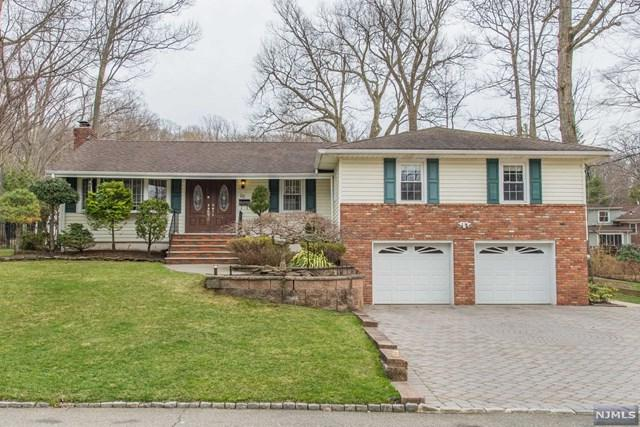 26 Cavell Place, West Caldwell, NJ 07006 (#1915820) :: Berkshire Hathaway HomeServices Abbott Realtors