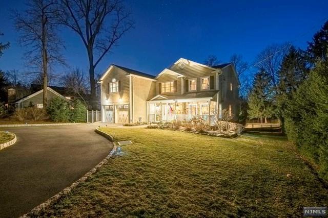 42 Spring Valley Road, Montvale, NJ 07645 (#1915995) :: Berkshire Hathaway HomeServices Abbott Realtors