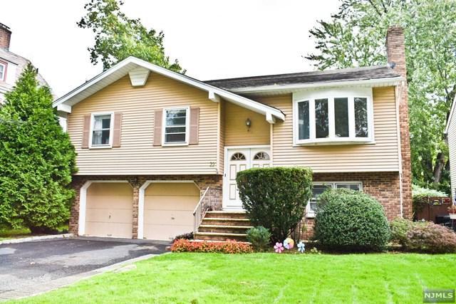 22 Saint Ann Place, Rochelle Park, NJ 07662 (#1916088) :: Berkshire Hathaway HomeServices Abbott Realtors