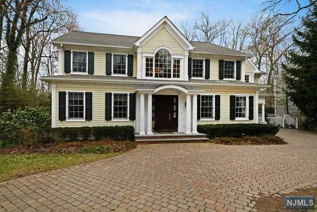 105 Heights Road, Allendale, NJ 07401 (#1916151) :: Berkshire Hathaway HomeServices Abbott Realtors
