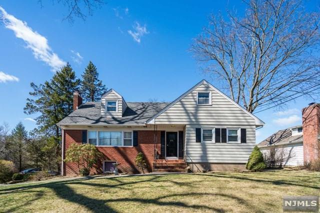 271 Cedar Lane, River Vale, NJ 07675 (#1916173) :: Berkshire Hathaway HomeServices Abbott Realtors