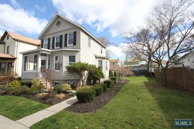 114 Lincoln Avenue, Totowa, NJ 07512 (#1916304) :: Berkshire Hathaway HomeServices Abbott Realtors