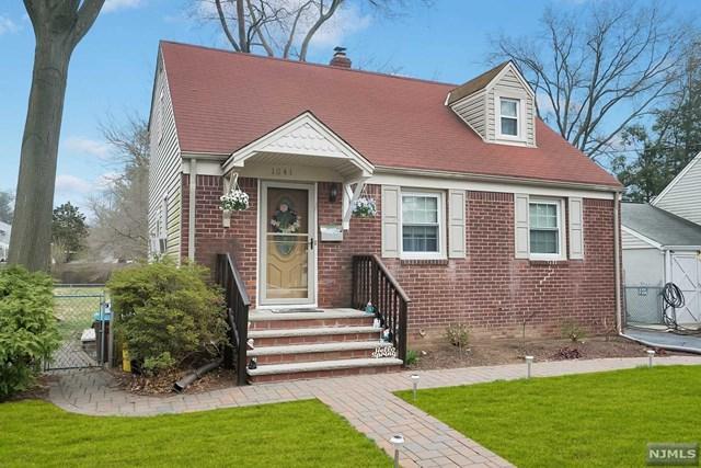 1041 Carnation Drive, New Milford, NJ 07646 (#1916327) :: Berkshire Hathaway HomeServices Abbott Realtors