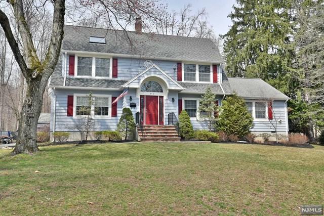 240 Brookside Avenue, Allendale, NJ 07401 (#1916425) :: Berkshire Hathaway HomeServices Abbott Realtors