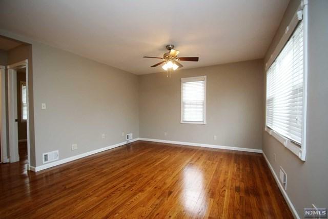 11 Van Ness Avenue, Fairfield, NJ 07004 (#1916491) :: Berkshire Hathaway HomeServices Abbott Realtors