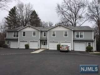 44 Crestwood Mews, Allendale, NJ 07401 (#1916546) :: Berkshire Hathaway HomeServices Abbott Realtors