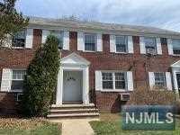 41B Meadowbrook Place 41B, Maplewood, NJ 07040 (#1916630) :: Berkshire Hathaway HomeServices Abbott Realtors