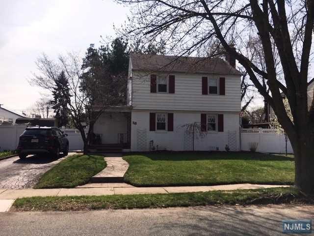 18 Bennett Avenue, Rochelle Park, NJ 07662 (#1916988) :: Berkshire Hathaway HomeServices Abbott Realtors