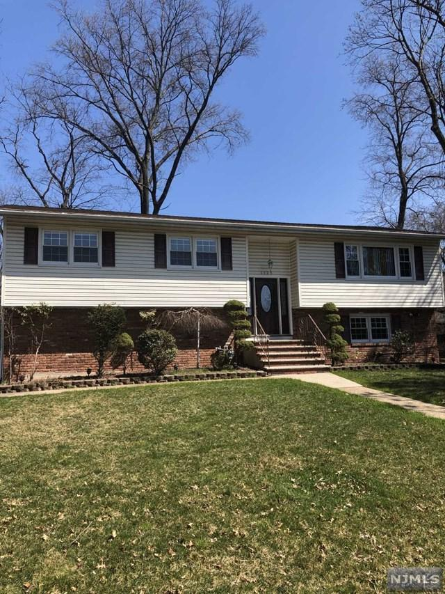 1125 Roosevelt Avenue, New Milford, NJ 07646 (#1917095) :: Berkshire Hathaway HomeServices Abbott Realtors