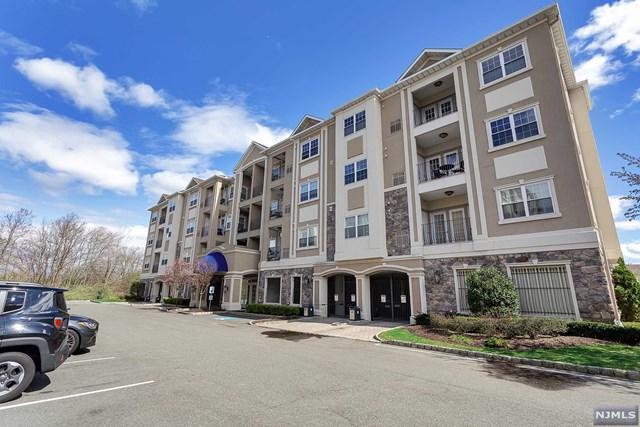 1307 Wickham Terrace, Clifton, NJ 07013 (#1917133) :: Berkshire Hathaway HomeServices Abbott Realtors