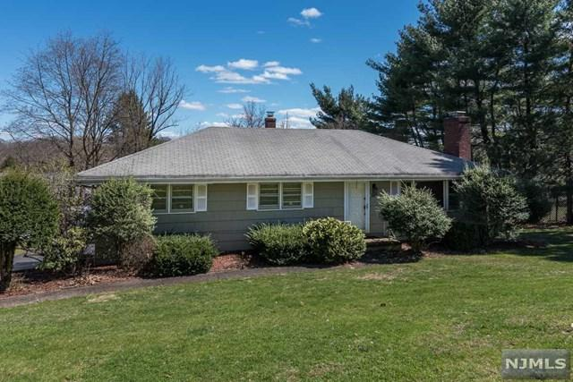 508 Franklin Terrace, Wyckoff, NJ 07481 (#1917141) :: Group BK
