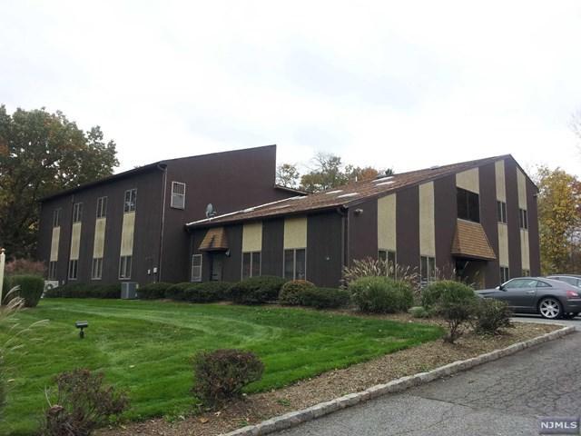124 Little Falls Road, Fairfield, NJ 07004 (#1917154) :: Berkshire Hathaway HomeServices Abbott Realtors