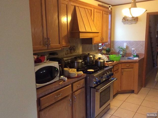 480 Thomas Avenue, Lyndhurst, NJ 07071 (#1917217) :: Berkshire Hathaway HomeServices Abbott Realtors