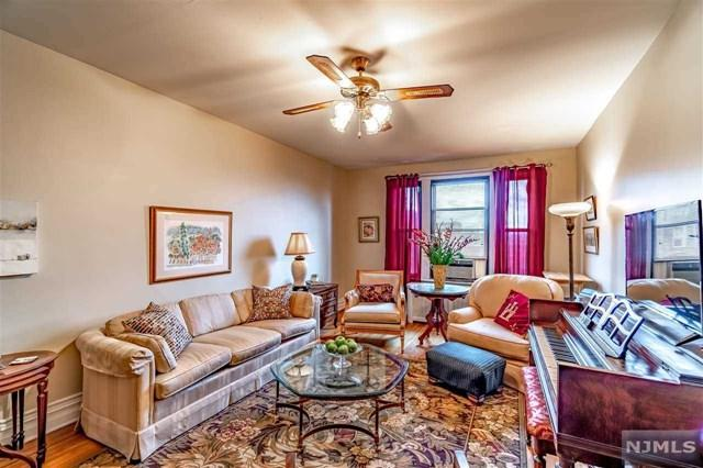 56 Glenwood Avenue #59, Jersey City, NJ 07306 (#1917232) :: Berkshire Hathaway HomeServices Abbott Realtors