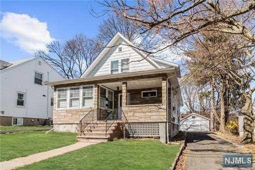 11 Marmon Terrace, West Orange, NJ 07052 (#1917343) :: Berkshire Hathaway HomeServices Abbott Realtors