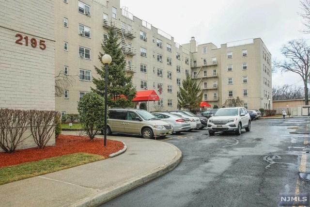 2195 N Central Road 4E, Fort Lee, NJ 07024 (#1917412) :: Berkshire Hathaway HomeServices Abbott Realtors