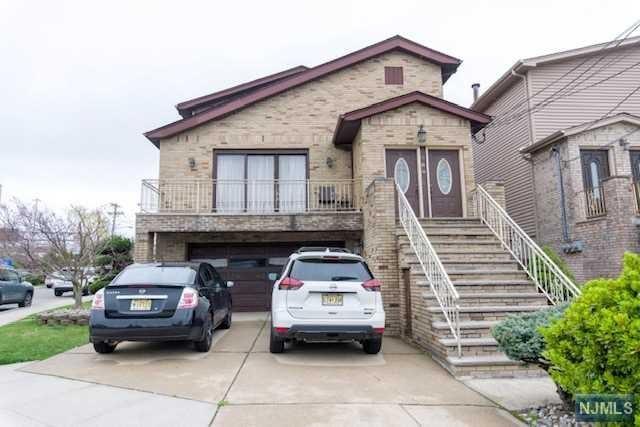 860 8th Street, Secaucus, NJ 07094 (#1917437) :: Berkshire Hathaway HomeServices Abbott Realtors
