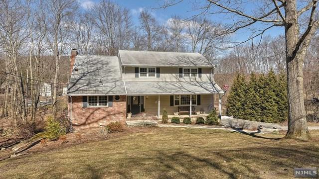 10 Clover Road, West Milford, NJ 07435 (#1917438) :: Berkshire Hathaway HomeServices Abbott Realtors