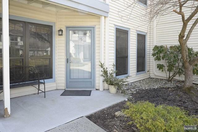 16 Eakens Court, Mahwah, NJ 07430 (#1917510) :: Berkshire Hathaway HomeServices Abbott Realtors