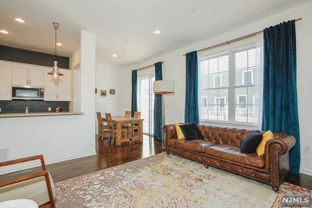 121 Roosevelt Drive, Wood Ridge, NJ 07075 (#1917628) :: Berkshire Hathaway HomeServices Abbott Realtors