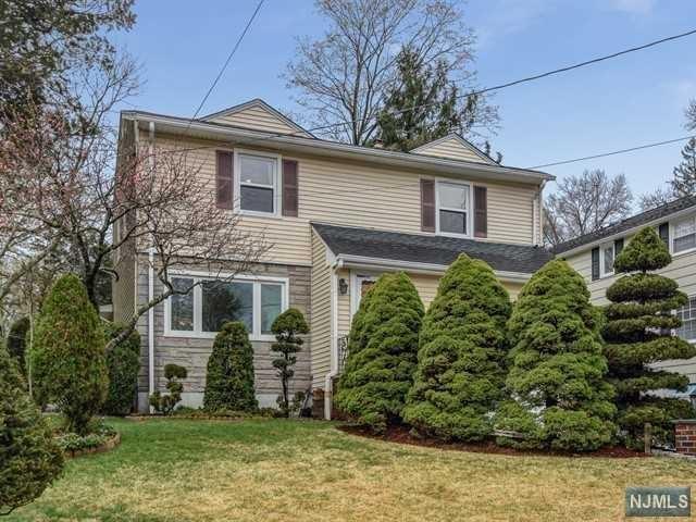 19 Woodland Avenue, Verona, NJ 07044 (#1917708) :: Berkshire Hathaway HomeServices Abbott Realtors