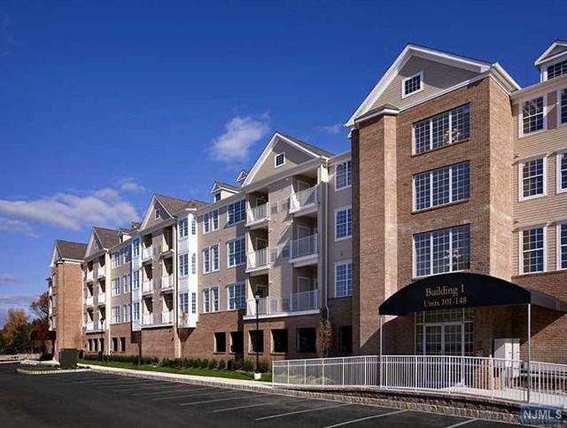 108 Cory Lane Bldg One, Elmwood Park, NJ 07407 (#1917743) :: Berkshire Hathaway HomeServices Abbott Realtors