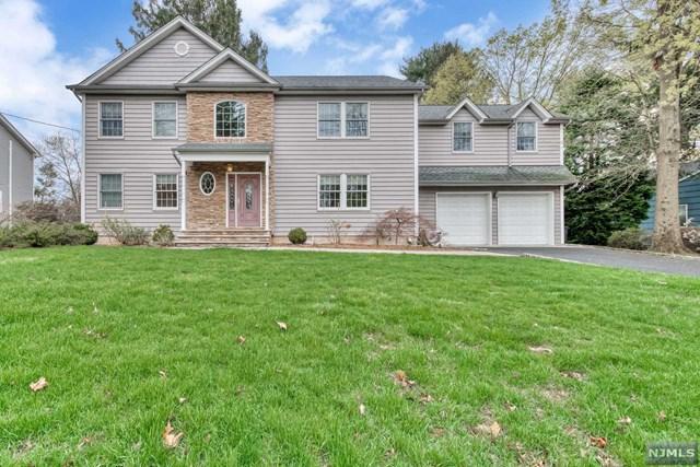749 Pascack Road, Twp Of Washington, NJ 07676 (#1917821) :: Berkshire Hathaway HomeServices Abbott Realtors