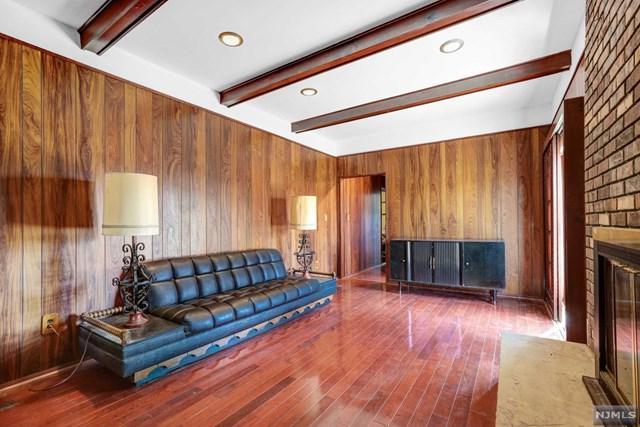 9 Cape Court, EAST BRUNSWICK, NJ 08816 (#1917961) :: Berkshire Hathaway HomeServices Abbott Realtors